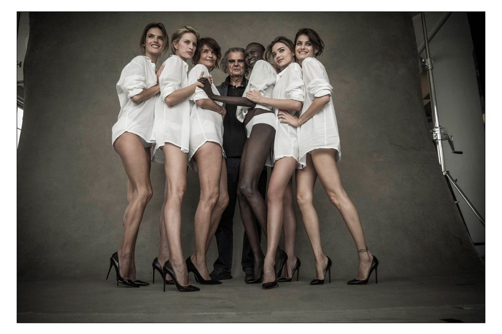 Pirelli-behind-the-scenes-vogue-14aug13-pr-3_1440x960.thumb.jpg.c2a5b2b7cd7004310aad889b278cc74f.jpg