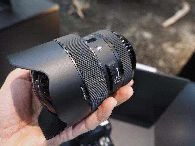 Sigma-A-14-24mm-f2.8-DG-HSM-lens3.jpg