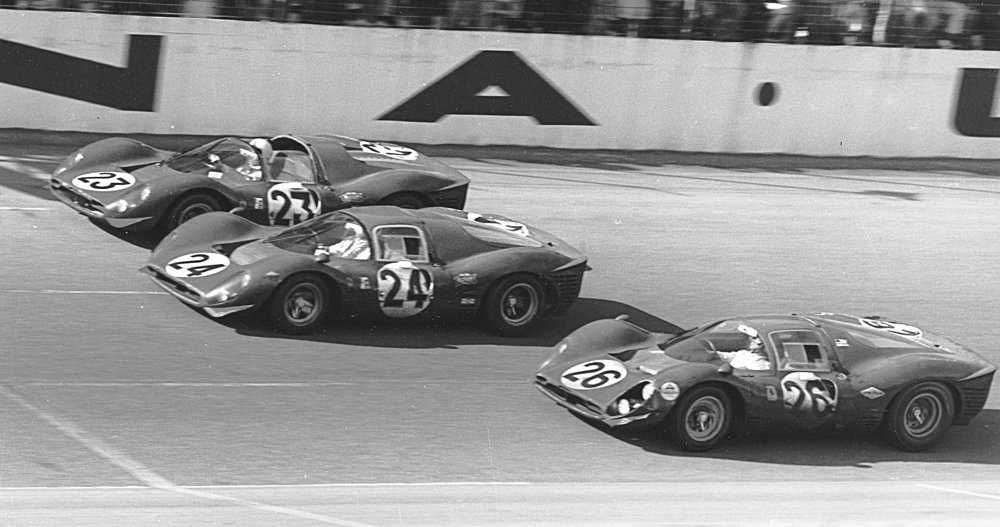 Ferrari_Daytona-1967.jpg.75067dde43377dfd551b7da5ece1f73c.jpg