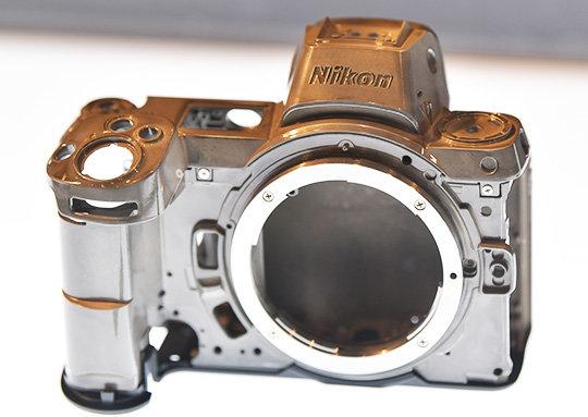 Nikon-Z7-magnesium-alloy-body.jpg.79877d7f9ac4baef042df4c7e5f70bbb.jpg