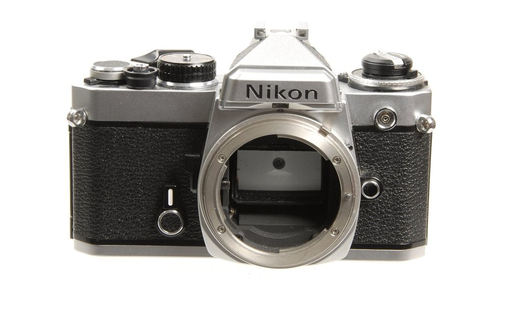 Nikon-FE-35mm-Camera-Body-in-Chrome.-Pristine.-Condition-3E-6061.thumb.jpg.3ed5640bac815c68b7c65bf86efaec79.jpg