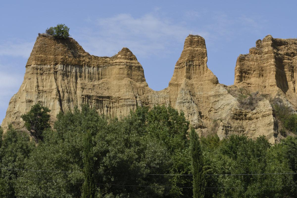 [paesaggio]  Piccola Monument Valley Toscana: le Balze del Valdarno.