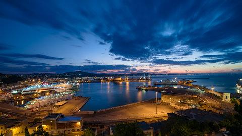 Veduta Porto panoramica-.jpg