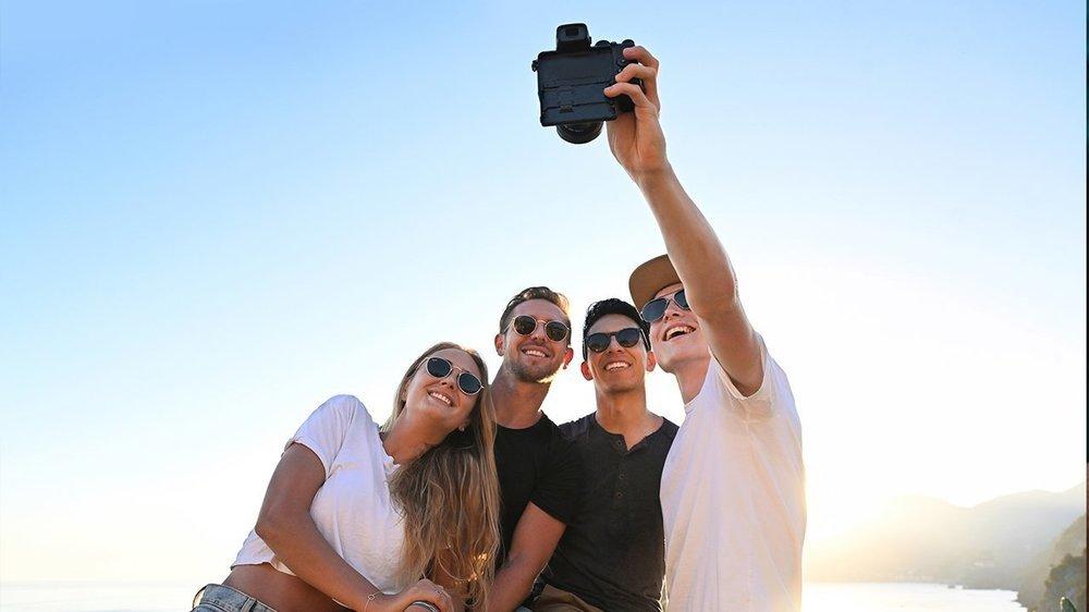 Nikon-Z50-mirrorless-APS-C-camera-1.thumb.jpg.2203e1175db5c495d993da04ae068d7b.jpg.f9a950fc3f4432cb14ae5d0286367dc4.jpg