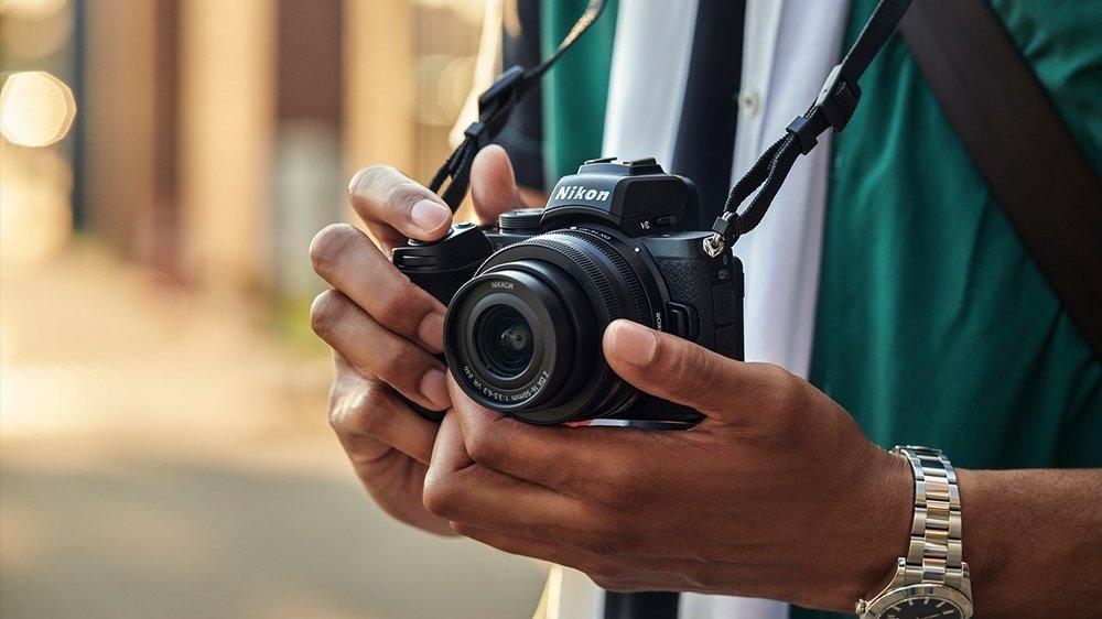 Nikon-Z50-mirrorless-APS-C-camera-2.thumb.jpg.09647aebc62a76354efb89c1c6bd6a3b.jpg
