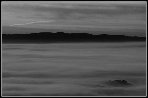 Un'altra mattina in Val di Paglia....B&N