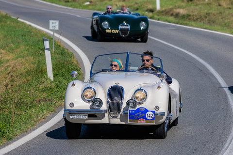 Jaguar XK 120 Roadster del 1953 e Jaguar C-Type del 1952