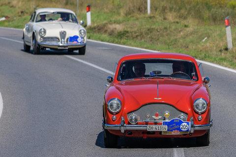 Aston Martin DB Mark III del 1957 e Alfa Romeo Giulietta Sprint del 1962