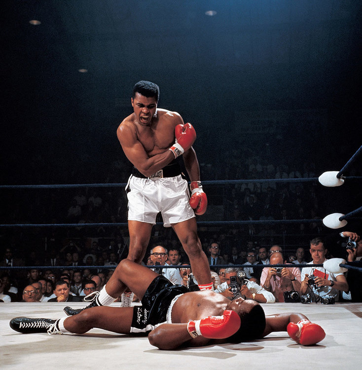 time-100-influential-photos-neil-leifer-muhammad-ali-vs-sonny-liston-56.thumb.jpg.ebb2ede70bda2ad78aa1d1c9ccd9dfa8.jpg