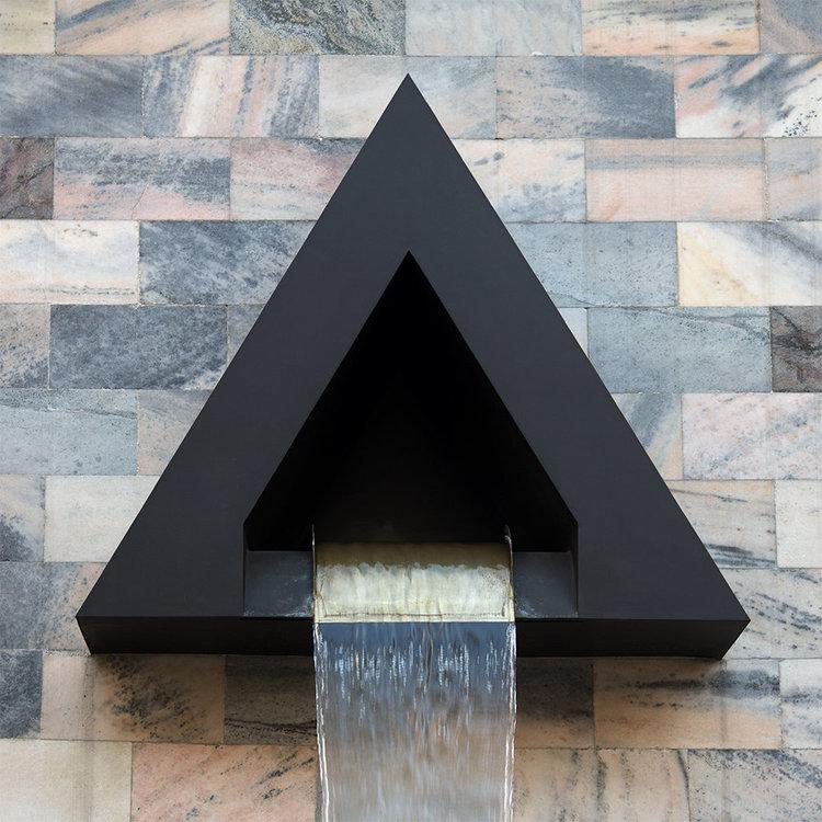 triangolo.thumb.jpg.4030ff3a14db0317becd484135c4c31e.jpg