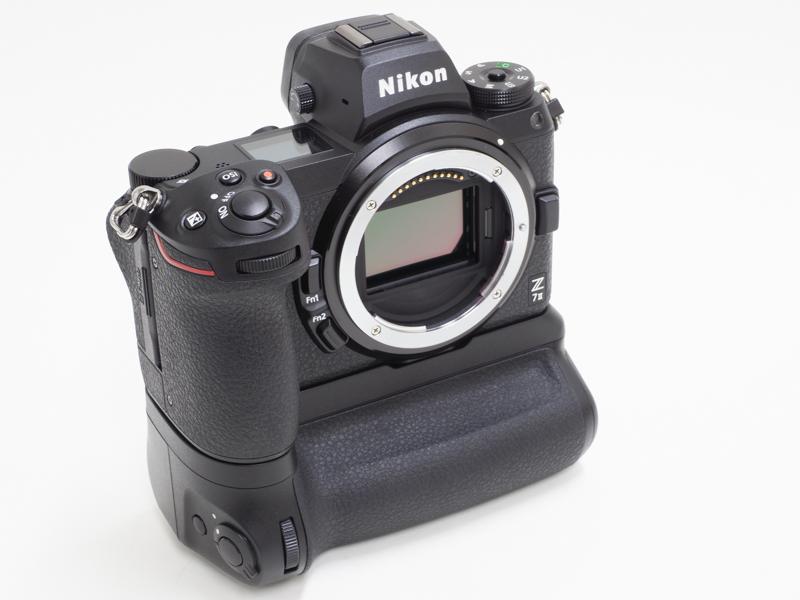 Nikon-MB-N11-multi-battery-power-pack-with-vertical-grip-1-1.jpg.84256668a609b2dd395edf8652c649aa.jpg