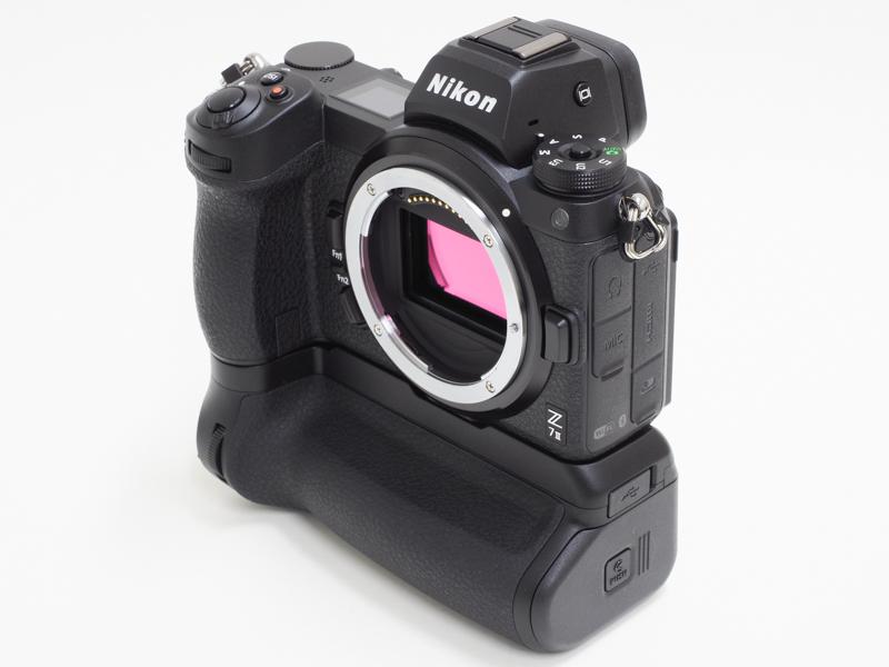 Nikon-MB-N11-multi-battery-power-pack-with-vertical-grip-2.jpg.1c08d6f2f30e6366fb3d8dede1b0cb56.jpg