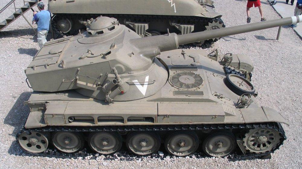 AMX-13-latrun-5.thumb.jpg.d564f8265f696cf45a5bf03a29a65cea.jpg