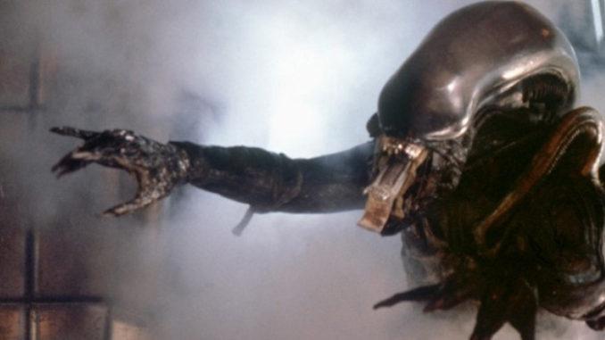 Alien-Quiz-Feature-678x381.jpg.9702db0b26162125840f5616902d3c35.jpg