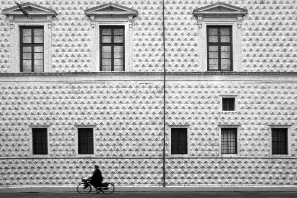 Ferrara_palazzo_diamanti.thumb.jpg.1337f9478f3566184540fb298dd3bcf8.jpg