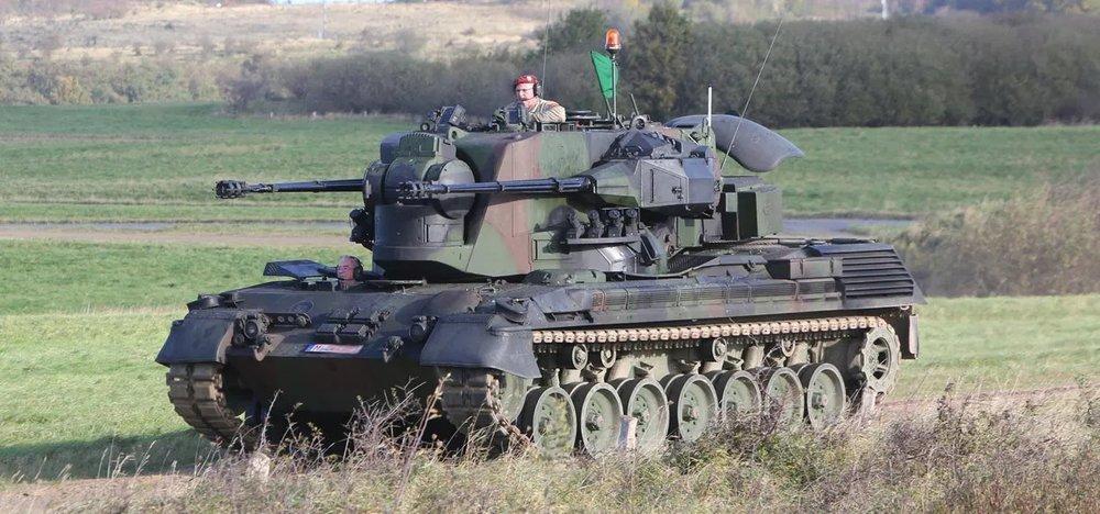 flakpanzer-gepard-1a2-self-propelled-anti-aircraft-gun-spaag-.thumb.jpg.1ade2bdb59e1d31b3cb8fed86ab7eeac.jpg