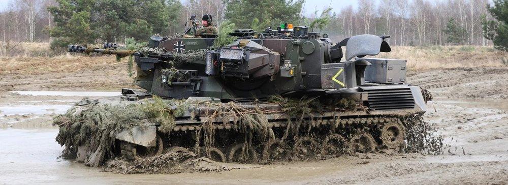 flakpanzer-gepard-1a2-self-propelled-anti-aircraft-gun-spaag-1-1.thumb.jpg.a3a1ce4ff9483a36dd103a544c03a994.jpg