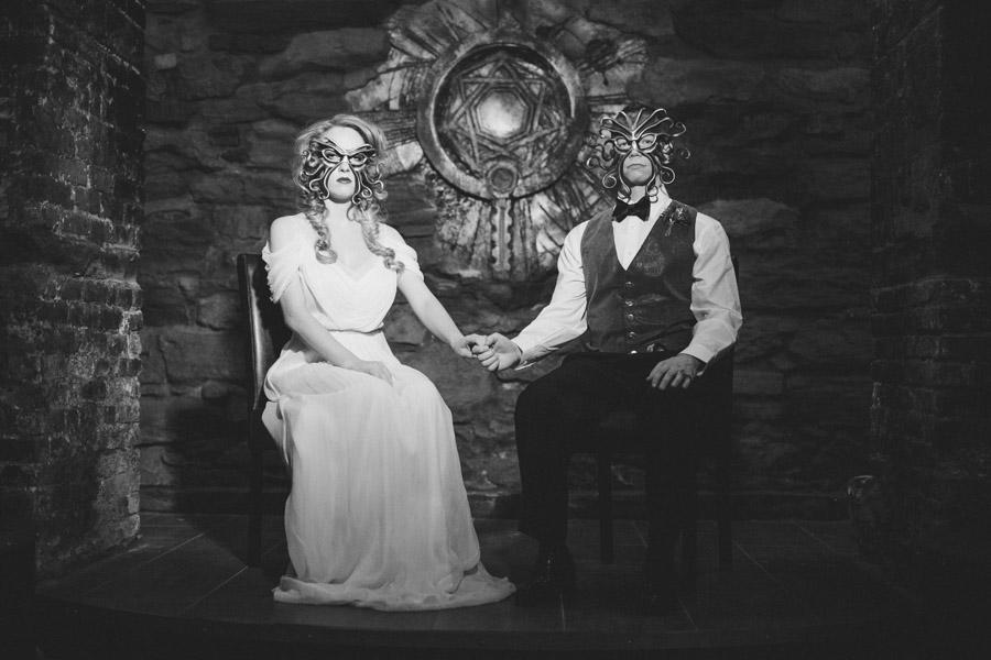 hp-lovecraft-wedding-inspiration-55.jpg.6a739d361511c203fe3cbaca8706d25e.jpg