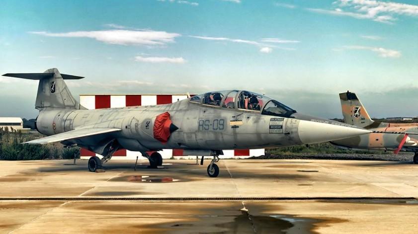 F-104.jpg.51fa3fca6dac3b4a20579ae677d0a883.jpg