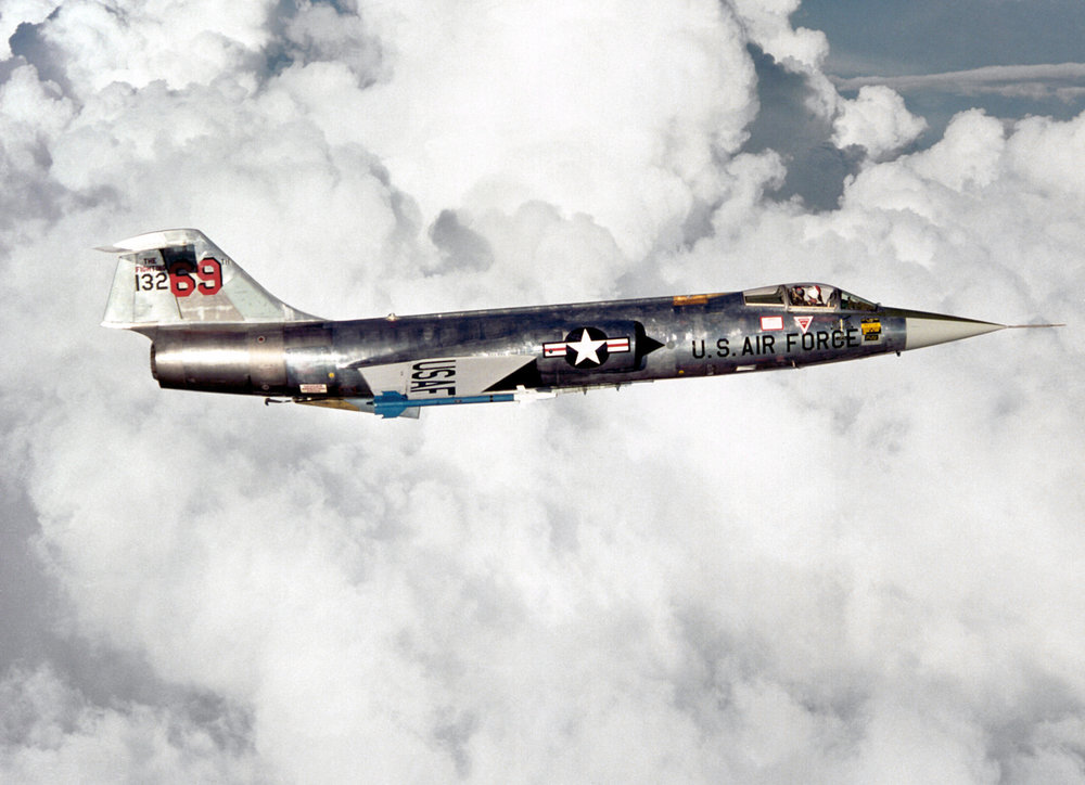 F-104_right_side_view.thumb.jpg.3634903fac525511b94470f9786472da.jpg