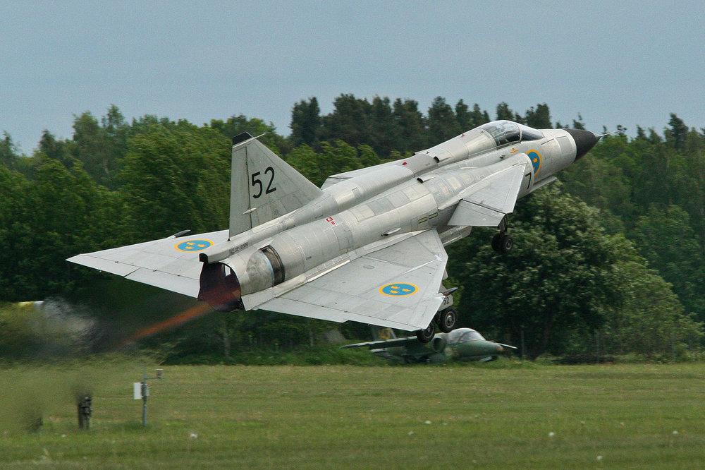 Saab-Viggen-Takeoff.thumb.jpg.b41ddbf2952b4b964f67bcbd81a4c638.jpg