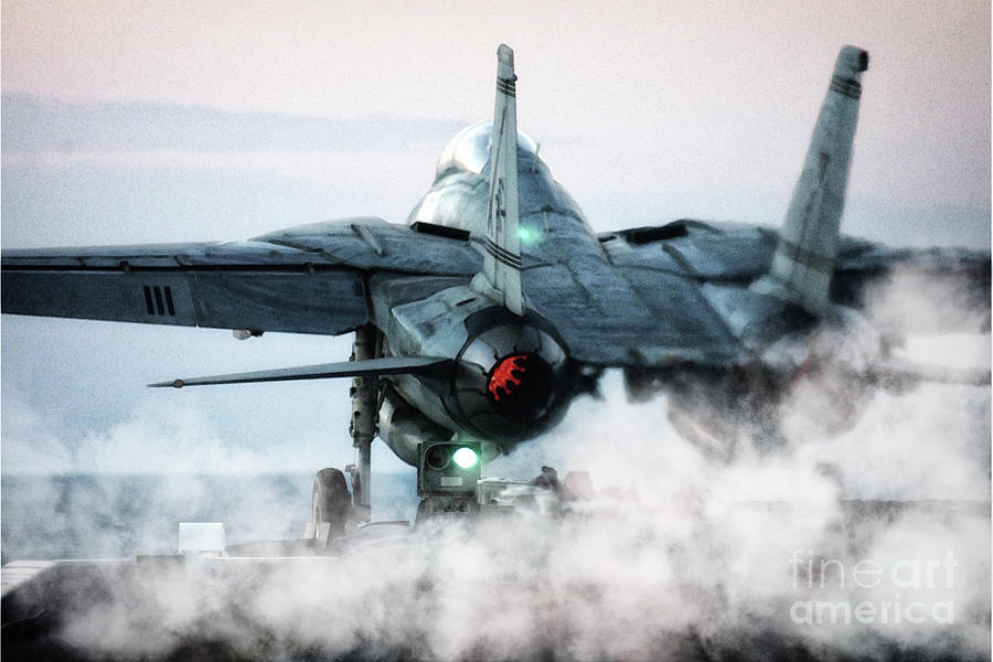f14-tomcat-launch-j-biggadike.jpg.df5eadce1ecef165bf53f317ed11016d.jpg