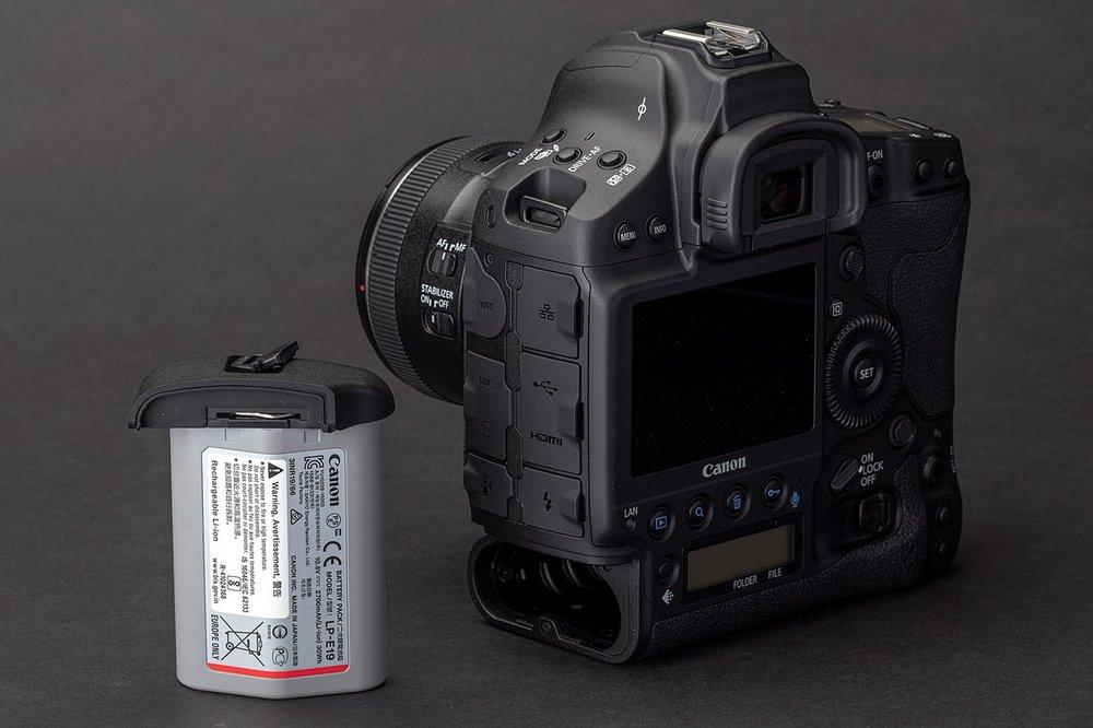 Canon_LP-E19.jpg