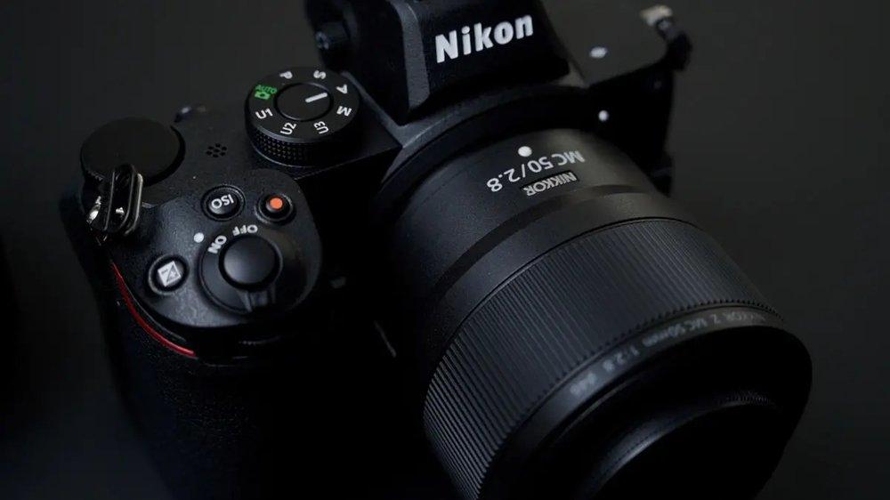 Nikon-NIKKOR-Z-MC-105mm-f2.8-VR-S-50mm-f2.8-lens-review-5.jpg