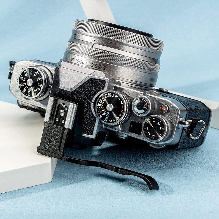 Aluminum-thumbs-up-grip-for-Nikon-3.thumb.jpg.e7cfde3c1257e6335719d1f608e083b1.jpg